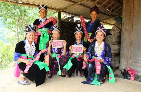 Frangipanier artisanat équitable artisane village du nord du Vietnam journée du commerce équitable