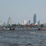 Thaïlande image Bangkok sur le fleuve Chao Praya. Images et textes proposés par Frangipanier, votre boutique mobile de créations d'artisanat d'Asie du Sud-Est.