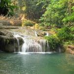 Thaïlande image une rivière dans la jungle du nord de la Thaïlande. Images et textes proposés par Frangipanier, votre boutique mobile de créations d'artisanat d'Asie du Sud-Est.