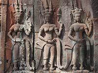 Apsara des temples d'angkor, reportage sur les origines du tissage au Cambodge et le tissage d'aujourd'hui, artisanat authentique et équitable des villages.