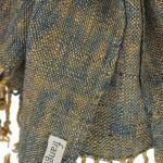 Echarpe en coton indigo filée et tissée à la main par les artisanes des villages du Laos - teinture naturelle, artisanat équitable - code 201201 f2c
