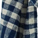 Echarpe en coton indigo filée et tissée à la main par les artisanes des villages du Laos - teinture naturelle, artisanat équitable - code 201211 f1c