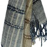 Echarpe en coton indigo filée et tissée à la main par les artisanes des villages du Laos - teinture naturelle, artisanat équitable - code 201216 f2b