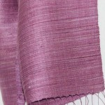 Echarpe en soie naturelle filée et tissée à la main par les artisanes des villages du Laos - artisanat authentique et équitable - code 201193-f2