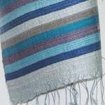 Echarpe en soie naturelle filée et tissée à la main par les artisanes des villages du Laos - artisanat authentique et équitable - code 201236-f2