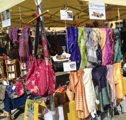 Votre stand Frangipanier artisanat authentique et équitable des villages du coeur de l'Asie du Sud-Est
