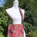 Sac en coton batik aux motifs ethniques, cadeau équitable fait à la main par des artisanes en Thaïlande - 12