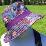 Chapeau en coton batik aux motifs ethniques, cadeau équitable confectionné à la main par des artisanes en Thaïlande - 18