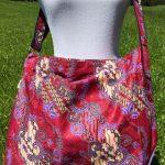 Sac en coton batik aux motifs ethniques, cadeau équitable confectionné à la main par des artisanes en Thaïlande - 29