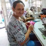 Artisane Frangipanier commerce équitable coton batik Thaïlande 2