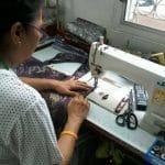 Artisane Frangipanier commerce équitable coton batik Thaïlande 3