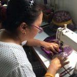 Artisane Frangipanier commerce équitable coton batik Thaïlande 4