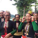 Ky Son Vietnam le commerce équitable offre des lunettes aux habitants des villages 6