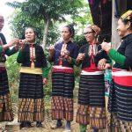 Ky Son Vietnam le commerce équitable offre des lunettes aux habitants des villages 9