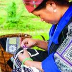 Traditions des costumes des Flower H'mong au Vietnam - commerce équitable