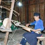 Frangipanier artisanat du chanvre et batik indigo dans une ethnie H'mong du Vietnam 1
