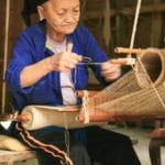 Frangipanier artisanat du chanvre et batik indigo dans une ethnie H'mong du Vietnam 11