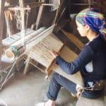 Frangipanier artisanat du chanvre et batik indigo dans une ethnie H'mong du Vietnam 13