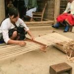 Frangipanier artisanat du chanvre et batik indigo dans une ethnie H'mong du Vietnam 6