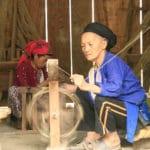 Frangipanier artisanat du chanvre et batik indigo dans une ethnie H'mong du Vietnam 7
