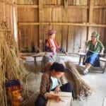 Frangipanier artisanat du chanvre et batik indigo dans une ethnie H'mong du Vietnam 8