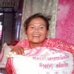 artisanes-jacinthe-eau-cambodge-distribution-riz-coronavirus-3b