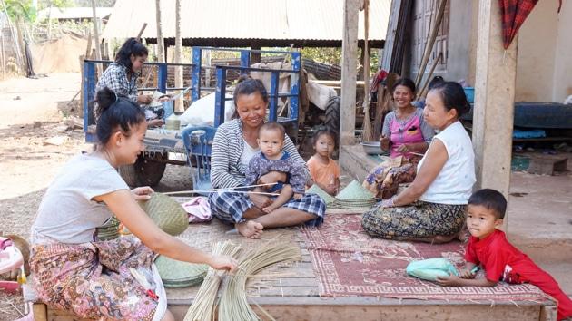 Frangipanier visite village du bambou au Laos - artisanat équitable et authentique - 15