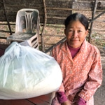 Frangipanier distribution de riz au Cambodge et au Laos pour les artisans des villages - 1b