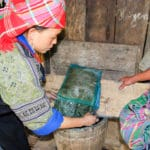 Frangipanier reportage sur la technique du batik chez les H'mong au Vietnam - 12