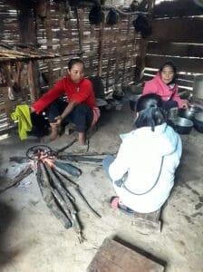frangipanier-villages-laos-distribution-vetements-12