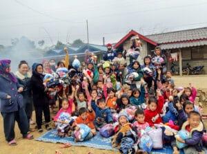 frangipanier-villages-laos-distribution-vetements-4