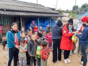 frangipanier-villages-laos-distribution-vetements-8